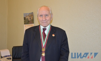 Oleg Favorsky, CIAM's Adviser to Director General, Academician of RAS, awarded the Order of Friendship of China